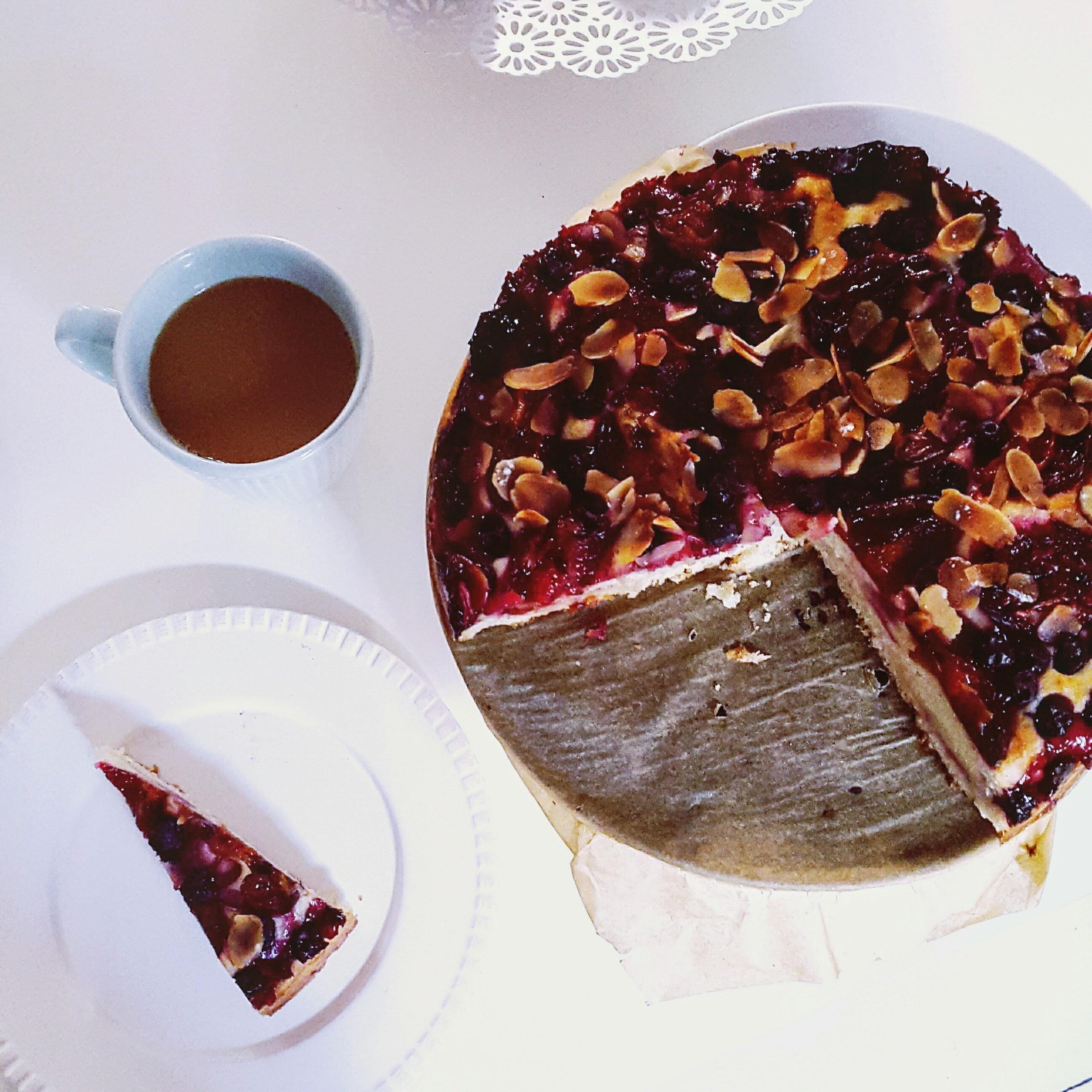 Delikatne drożdżowe ciasto zowocami