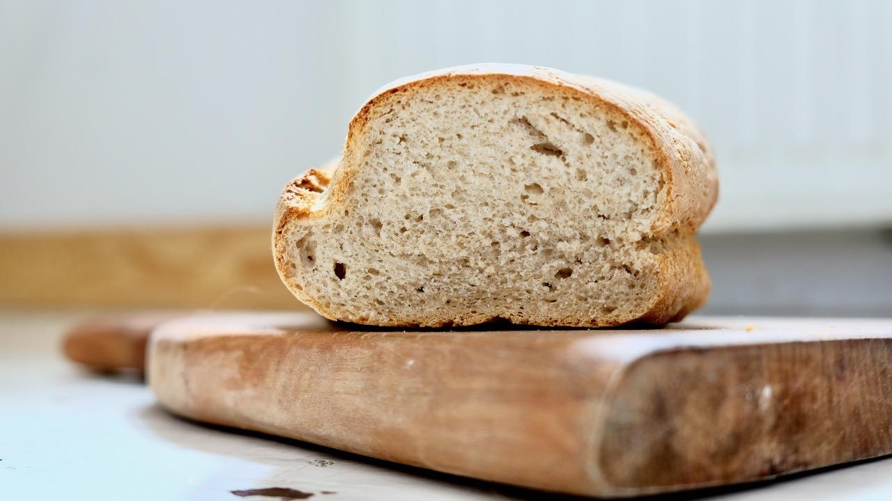 Chleb pszenno-żytni nadrożdżach